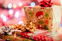 Siapin kado istimewa natal tahun ini yuk via pexels.com