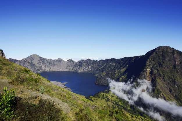Kota wisata liburan lombok mount rinjani via freepik ala duniamasak