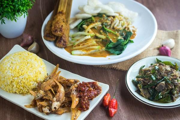 Lapak Maknyak Umkm Ibu Laili dok. duniamasak review resto food blogger