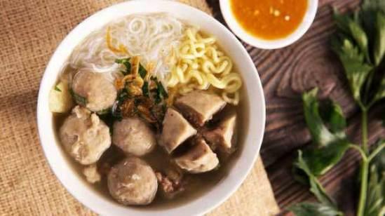 Bakso via tirto.id ala tim duniamasak makanan yang paling dicari saat hujan