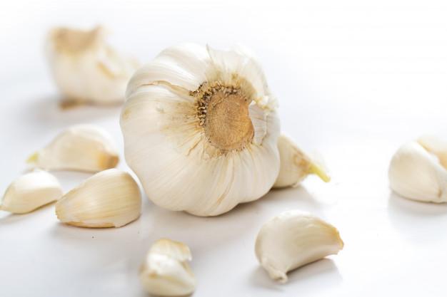 Makanan penangkal covid19 corona kesehatan bawang putih via freepik ala duniamasak