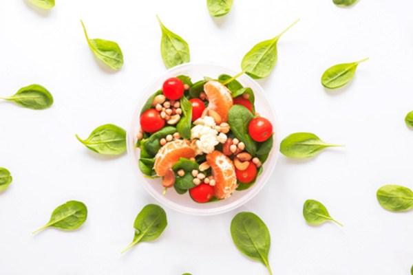 mengatur pola makan sehat via freepik ala tim duniamasak