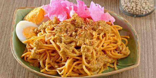 Kuliner khas Medan mie gomak mi gomak via merdeka.com ala tim duniamasak.com