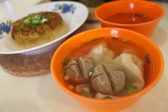 Kuliner Mie - AL kebon jeruk jakarta bakso dan pangsit kuah dok. duniamasak