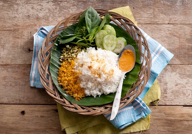 Makanan betawi: nasi ulam via rasamasa.com