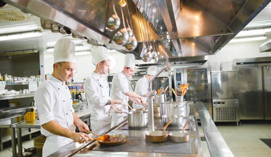 Peralatan Dapur Restoran via freepik ala tim duniamasak