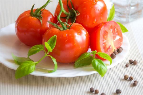 Manfaat tomat mentah ala Dunia Masak via pexels
