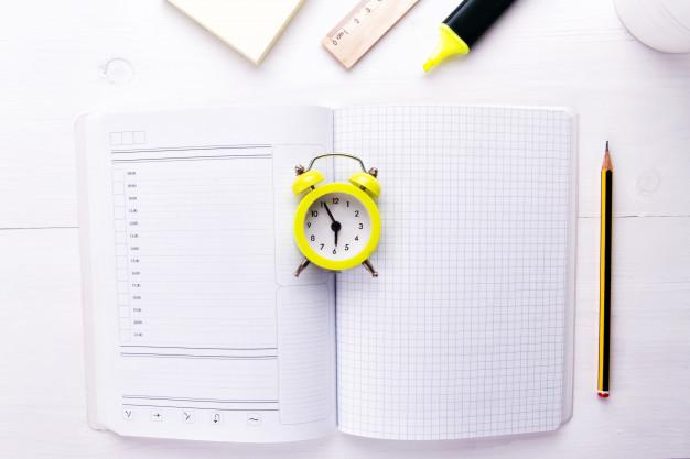 Resolusi tahun baru menentukan batas waktu target 2020 via freepik ala duniamasak