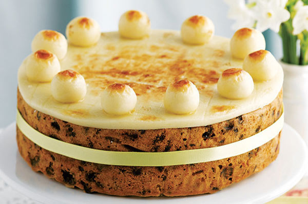 simnel cake via recipes.sainsburys.co.uk ala tim duniamasak.com