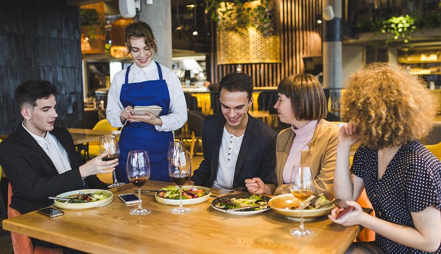 Tempat makan artis 2019 via freepik ala duniamasak