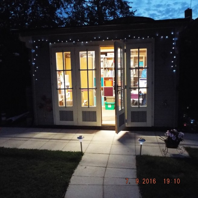 Customer Reviews: Auval Log Cabin from Dunster House with lights