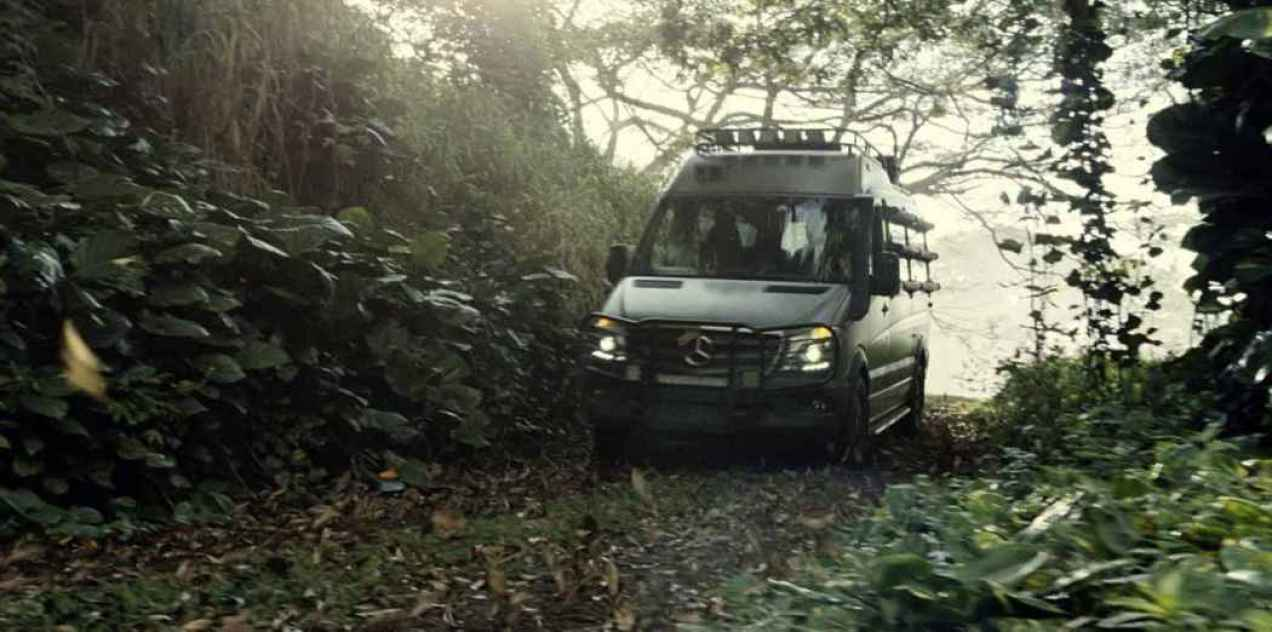 jurassic_world-mercedes (7)