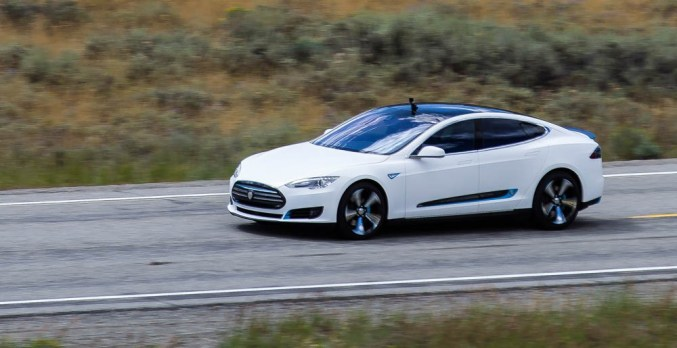 STRUT Tesla reaches a top speed of 157.9 photo by Ian Concannon