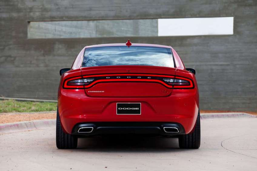 2015-dodge-charger-rt (5)