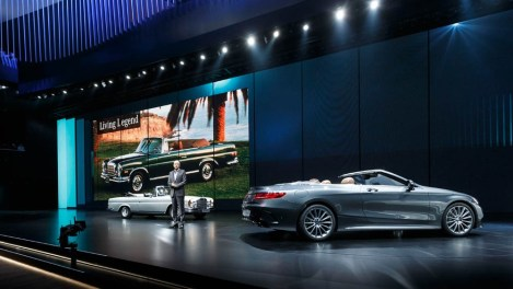 Dieter Zetsche, Chairman of the Board of Management of Daimler AG and Head of Mercedes-Benz Cars, with the new S-Class Cabriolet and the predecessor model which was built till 1971