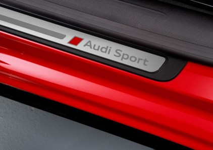 Detail, Colour: Misano Red