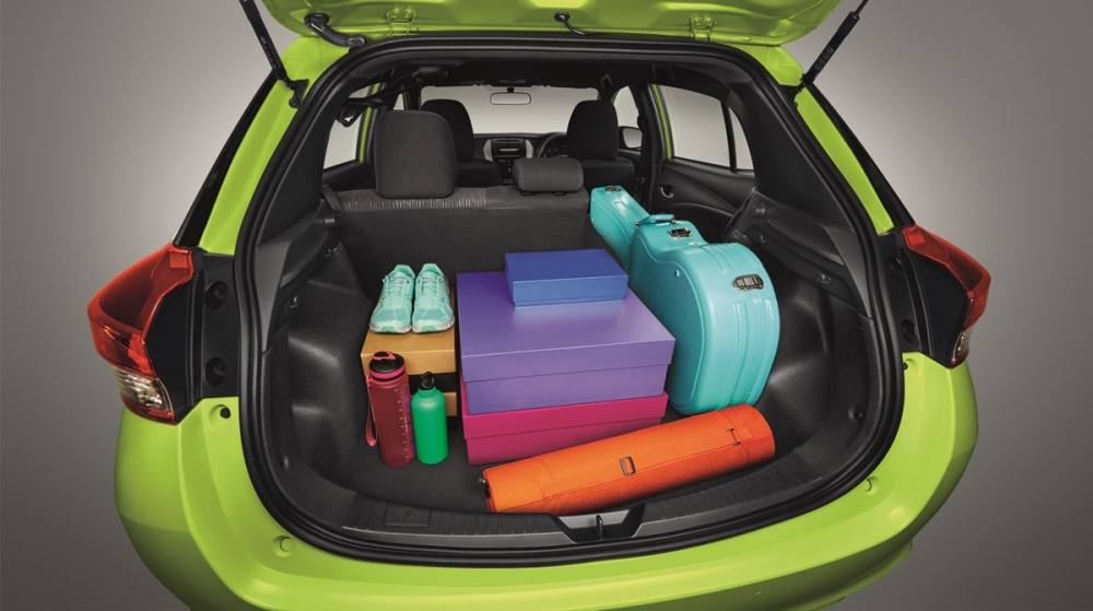 2018-Toyota-Yaris-boot-space