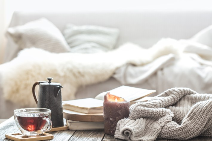how to make your apartment cozy
