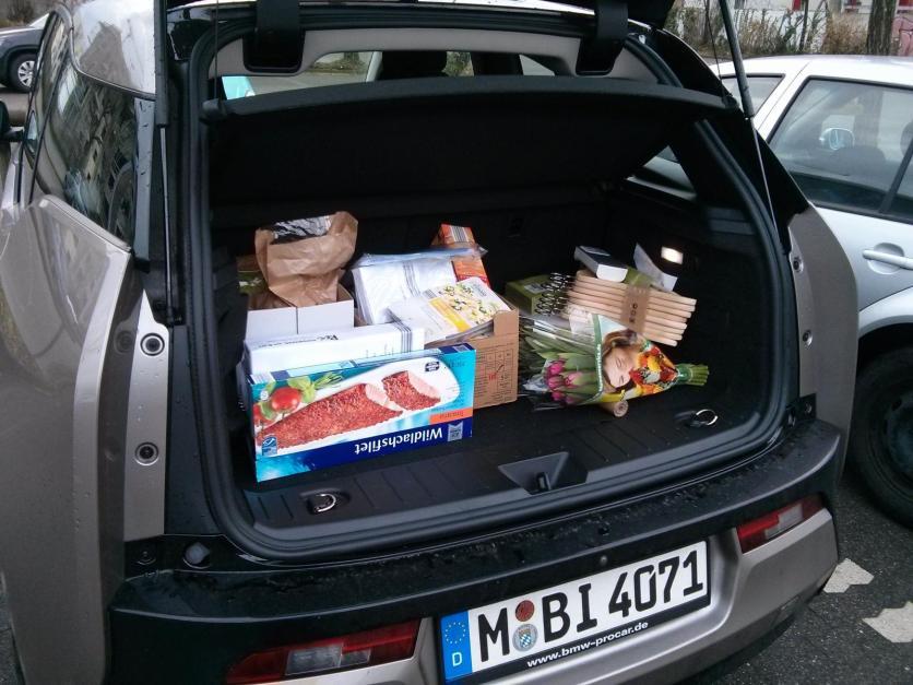BMW i3 Kofferraum voll