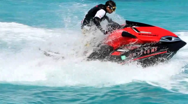 jet skiing in pattaya