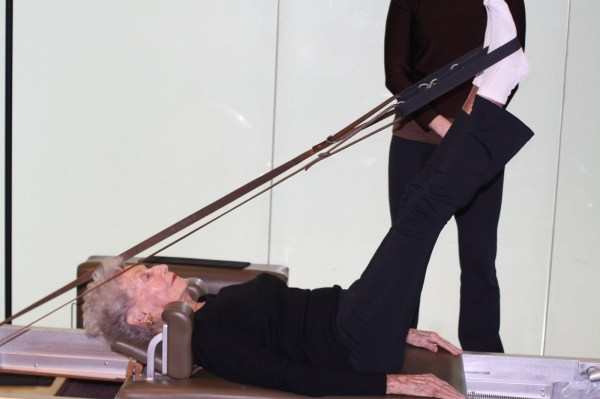 100-years-old-woman-pilates