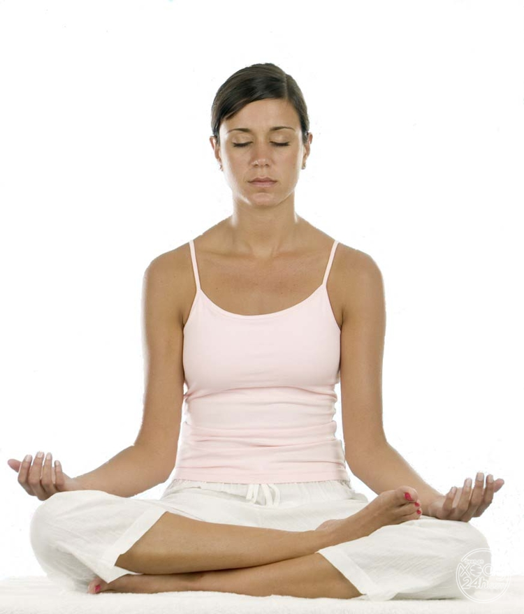 xoay24h_com-bai-tap-yoga-giam-can-sau-sinh-hieu-qua-2