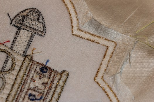 Clipping Corners of Ecclesiastical Machine Embroidery Design
