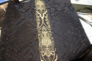 Centering the orphrey design on the Chalice Veil