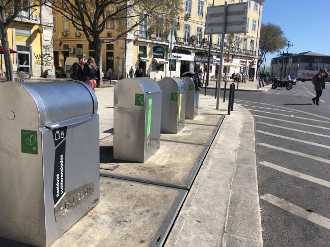 Foto mostra cidade que incorporou aspectos da Ecologia Urbana no dia a dia, através de lixeiras mais eficazes