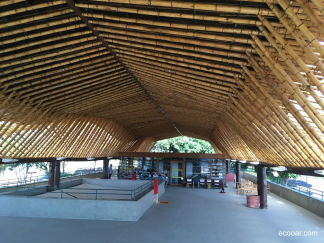 Foto mostra estrutura feita de bambus do Centro Max Feffer de Cultura e Sustentabilidade