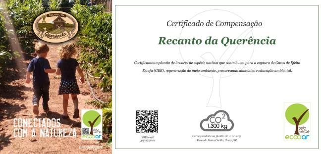 Arte mostra foto de duas crianças e certificado Ecooar