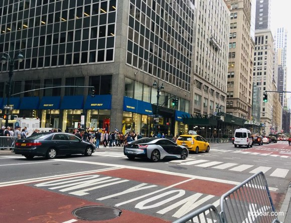 Foto mostra rua de New York, local onde um bom Currículo pode te levar