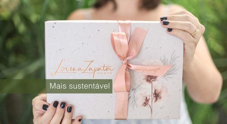 Foto mostra caixa com a inscrição Lorena Zapata Photo