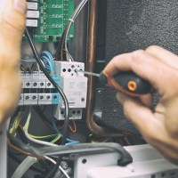 Specializing as a an Electrical Worker: Electrician vs Electrical Technician
