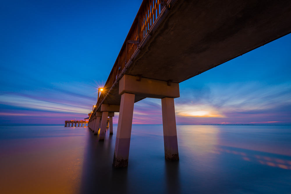 Fishing Pier Fort Myers Beach - image  on https://blog.edinchavez.com