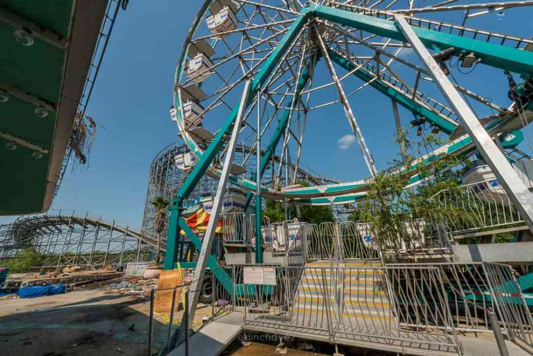 Abandoned Six Flags New Orleans-11