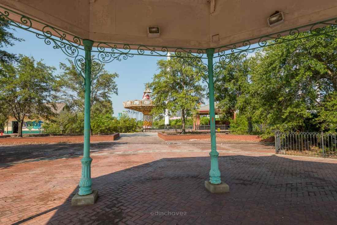 Abandoned Six Flags New Orleans-59