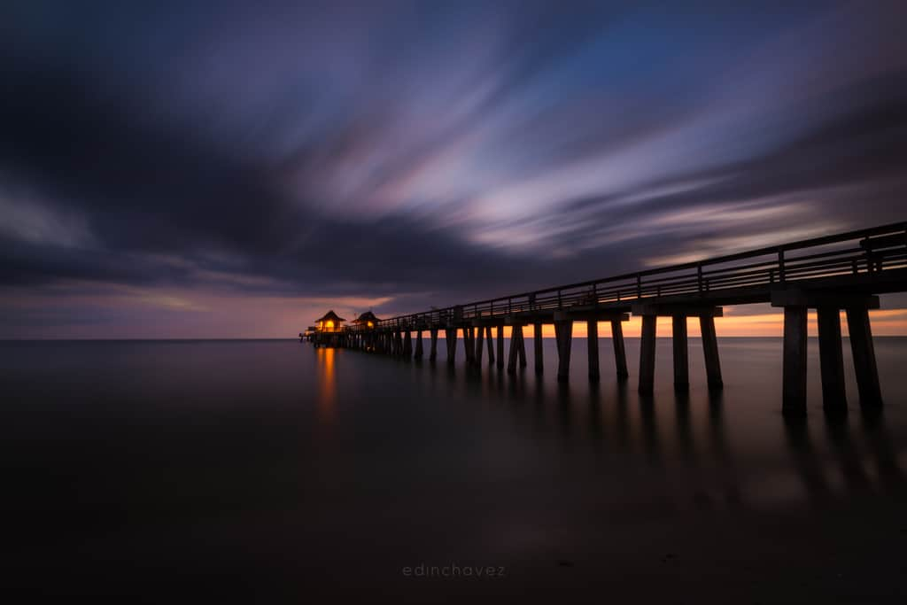 Naples Pier At Dusk - image  on https://blog.edinchavez.com