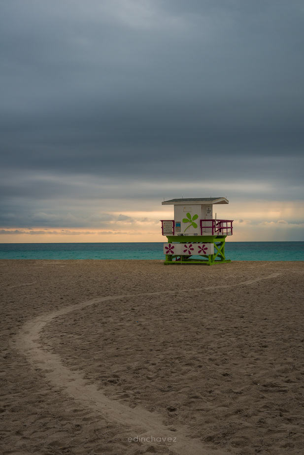 Miami Beach on a dark rainy day - image  on https://blog.edinchavez.com