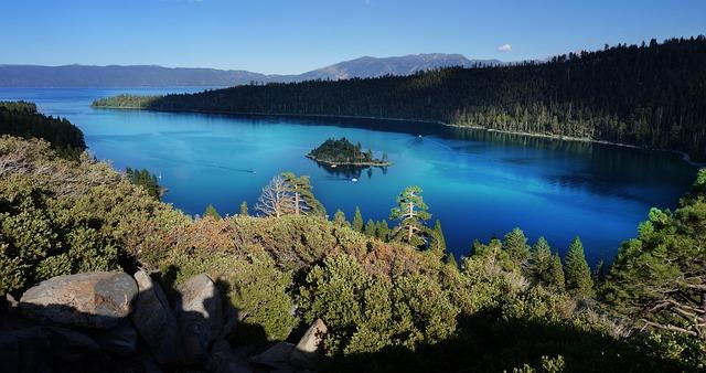 lake-1695336_640