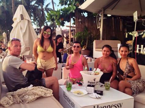 socializing-at-white-beach-bar