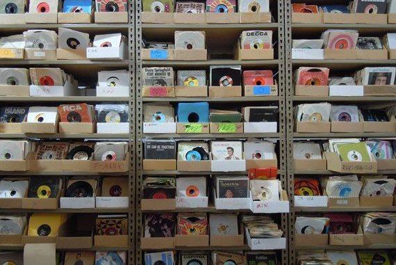 "7"" Vinyls, hundreds and thousands"