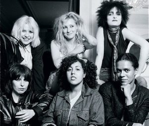 Debbie-with-others_3211932c