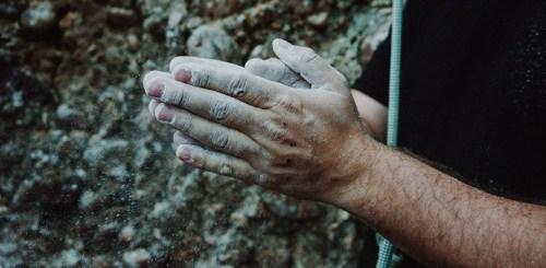 Entraînez vos doigts pour progresser en escalade