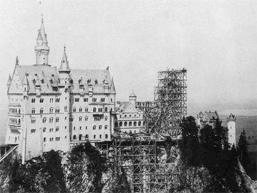 Castillo de Neuschwanstein, en construcción en el 1886