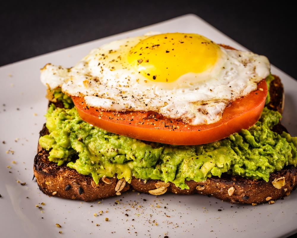sandwich cu branza pentru micul dejun