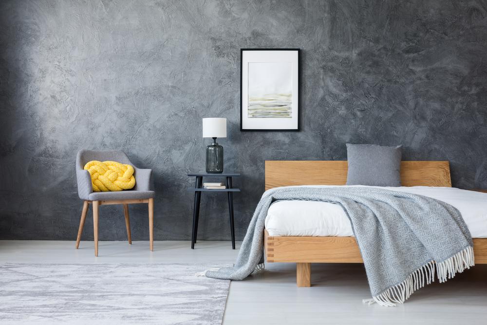 dormitor in stil minimalist si in tonuri de gri