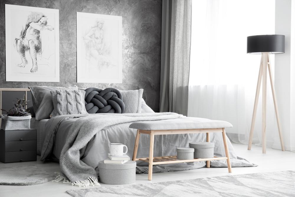 dormitor in tonuri de gri