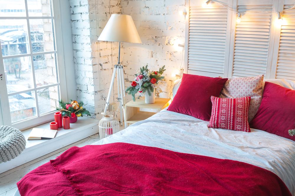 elemente de decor rosii pentru dormitor