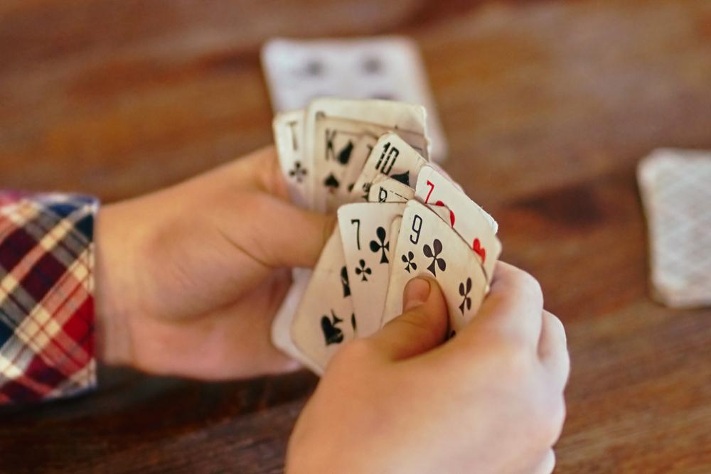 jocuri de carti pentru copii